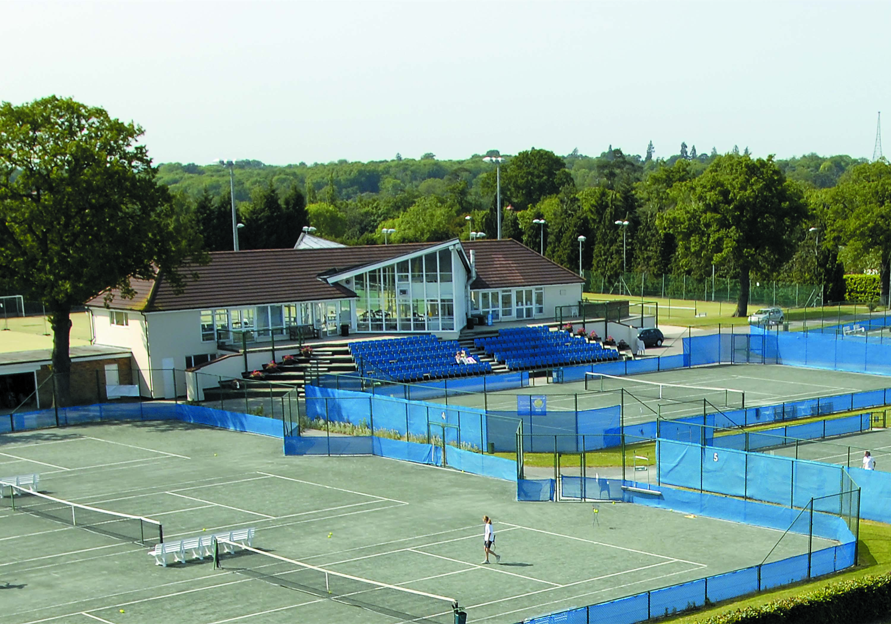 Qw - tennis centre